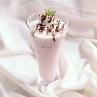 いちごミルクのデザートドリンク