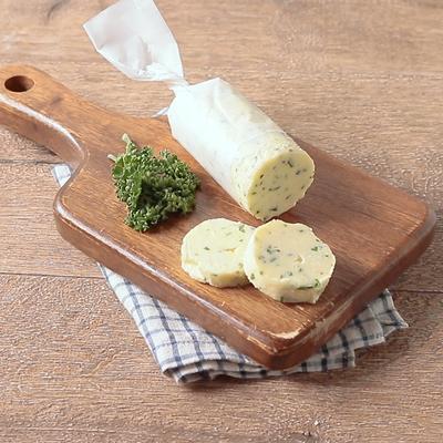 チーズとイタリアンパセリのフレーバーバター