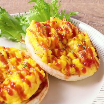 たまごとチーズのイングリッシュマフィントースト