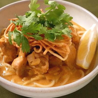 タイのカレーラーメン カオソーイ