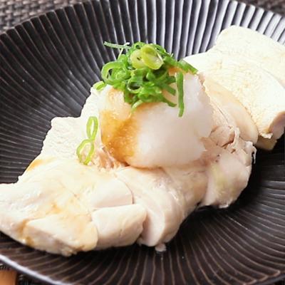 電子レンジで簡単 蒸し鶏のおろし梅ポン酢