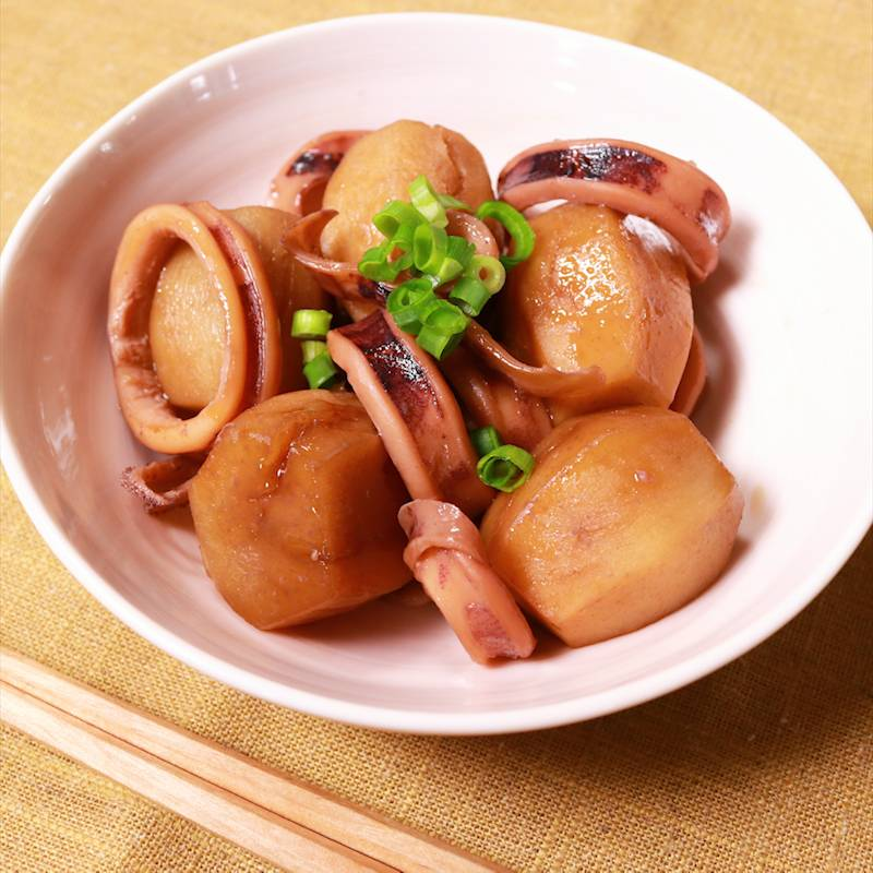 里芋 イカ 煮物