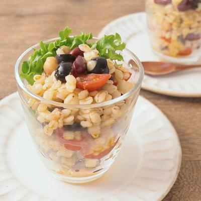 豆と野菜の押し麦サラダ