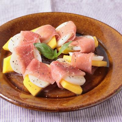 こかぶと柿の生ハムサラダ
