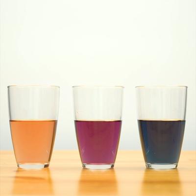 液体の性質の違いを利用する 色が変わるドリンク