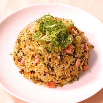 ベーコンと高菜のピリ辛山椒炒飯