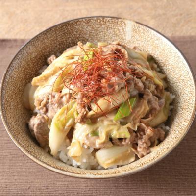 牛肉とキャベツのオイマヨ丼