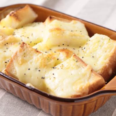 簡単 チーズガーリックトースト