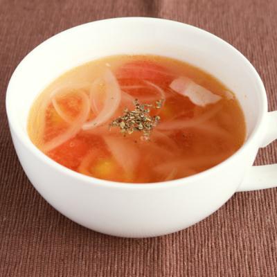 湯むきトマトのコンソメスープ