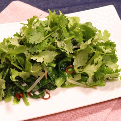 小松菜とニラの塩エスニック野菜炒め