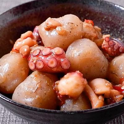 玉こんにゃくとタコの金山寺味噌炒め