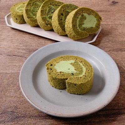 米粉抹茶ロールケーキ