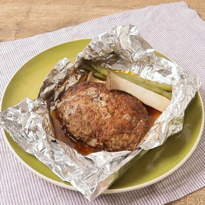オーブンでふっくら 包み焼きハンバーグ