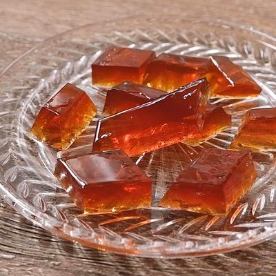 しっかり食感でおいしい紅茶味の琥珀糖