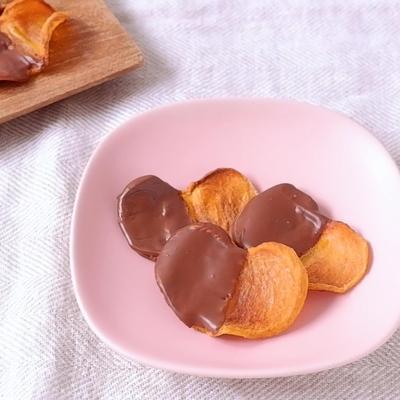 カリカリ柿チップスチョコレート