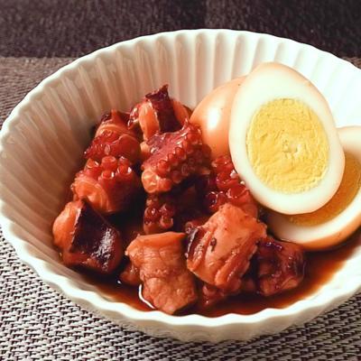 タコとゆで卵の甘辛煮