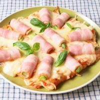 アスパラベーコンのもちピザ