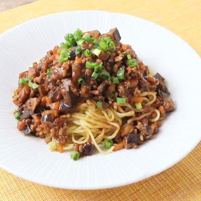 焼きそば麺でつくる 野菜たっぷりジャージャー麺