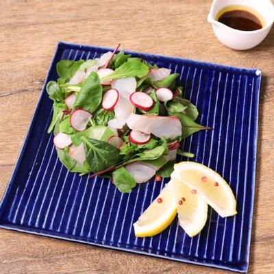 鯛とラディッシュのわさびドレッシングサラダ
