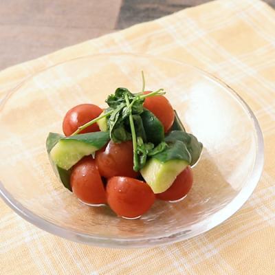 きゅうりとミニトマトのエスニック風ピクルス