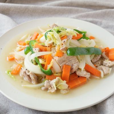 ひと工夫でシャキシャキ食感 塩こしょう味の野菜炒め