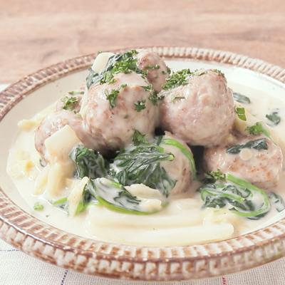 白菜とほうれん草のミートボールクリーム煮