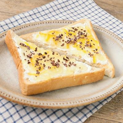 カカオニブのマーマレードチーズトースト