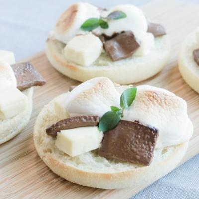 マシュマロチョコチーズのマフィントースト