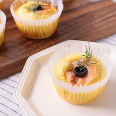 ホットケーキミックスで 生ハムとチーズのマフィン
