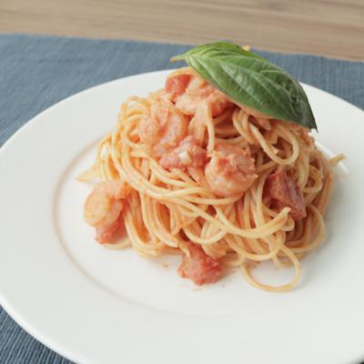トマト缶で 簡単エビのトマトクリームスパゲティ