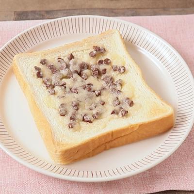 朝食に チョコチップメロンパントースト
