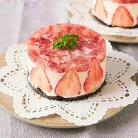 ひな祭りに 萌え断いちごのレアチーズケーキ