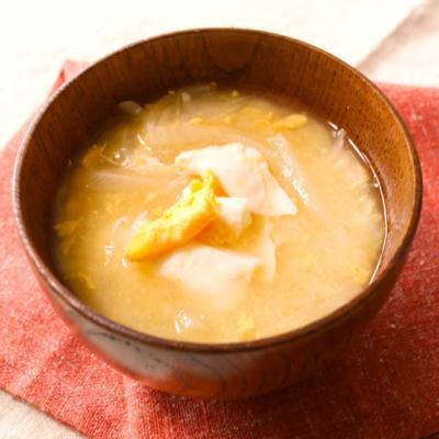 だし香る 散らし卵と玉ねぎのみそ汁
