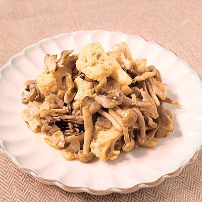 カリフラワーとキノコの味噌ソース炒め