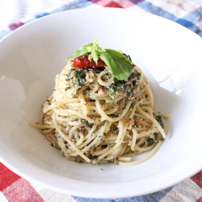 たっぷりバジルでジェノバ風明太子スパゲティ