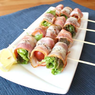 ベーコン巻きサラダ串
