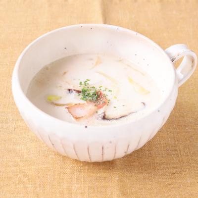 春キャベツと椎茸の和風ミルクスープ