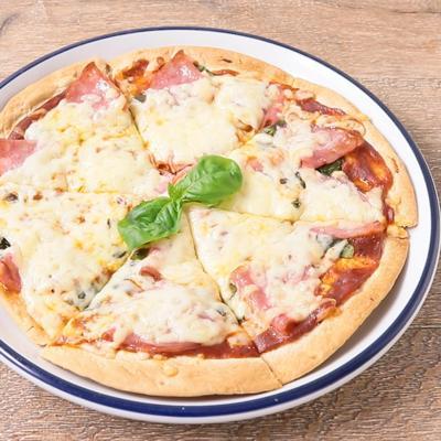 ビアソーセージのピザ