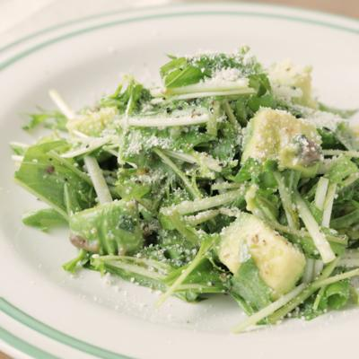バジルのグリーンサラダ