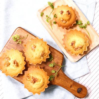 バターたっぷりでしっとり!メープル風味のマドレーヌ