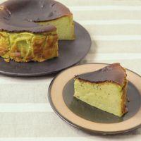 抹茶のバスクチーズケーキ