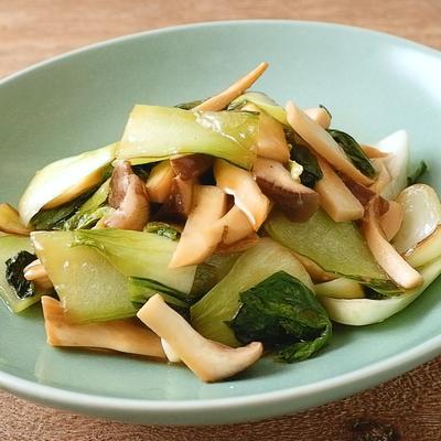 チンゲン菜とエリンギのニンニク炒め