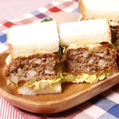 ボリューム満点!メンチカツサンドイッチ
