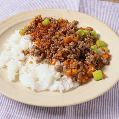 ひき肉とアスパラの甘辛丼
