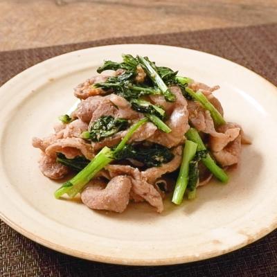ケールと豚肉の胡麻味噌炒め