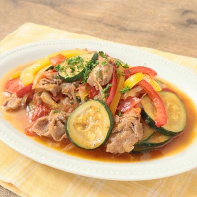 牛肉とカラフル野菜のトマト炒め