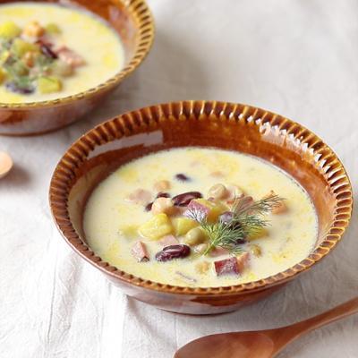 さつまいもとビーンズの豆乳スープ