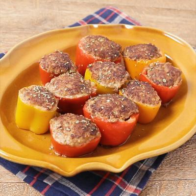 カラフルピーマンで 色鮮やかな肉詰めハンバーグ