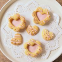 かわいいストロベリーチョコサンドクッキー