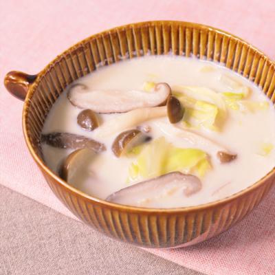 キャベツときのこのミルクスープ